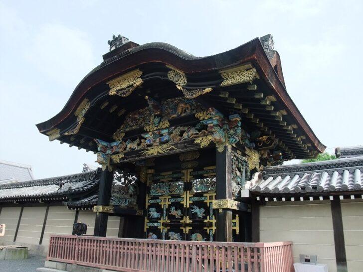 西本願寺の唐門