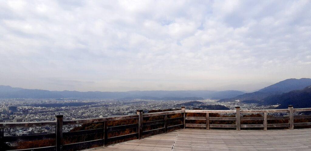 青龍殿の舞台から見える京都市内