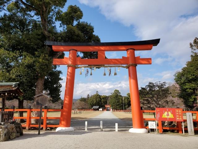 上賀茂神社一の鳥居と参道