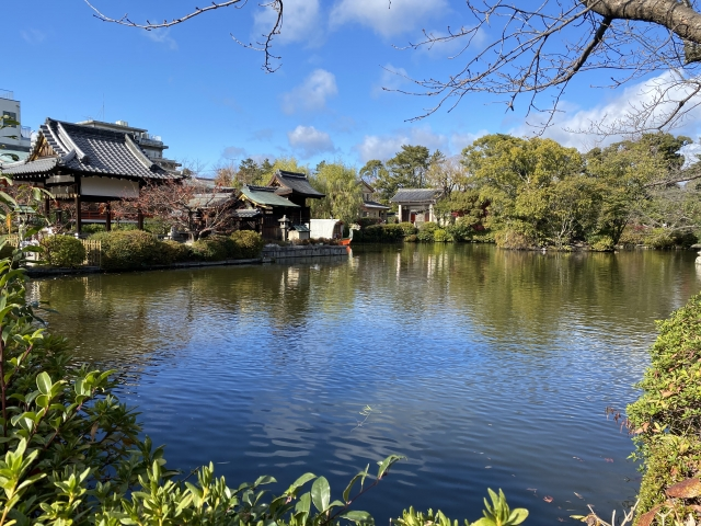 神泉苑の法成就池
