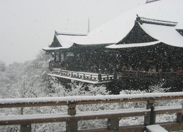 雪の日の清水寺