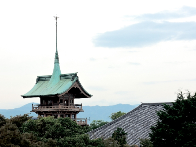銅閣と呼ばれる祇園閣